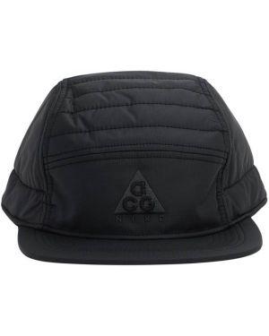 Czarny kapelusz z haftem Nike Acg