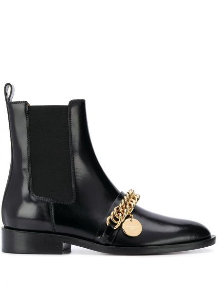 Buty na obcasie na pięcie chelsea Givenchy