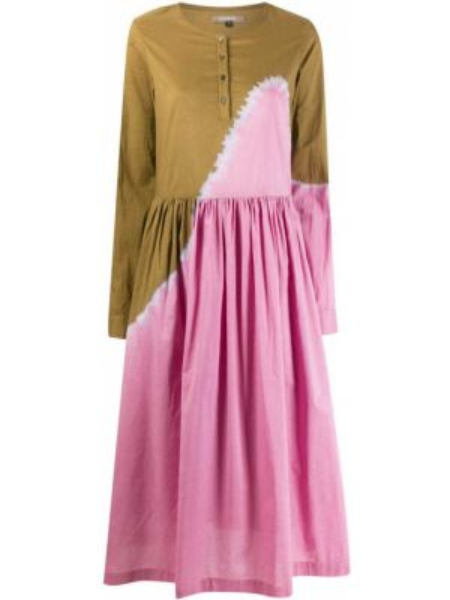 Расклешенное с рукавами зеленое платье миди Suzusan