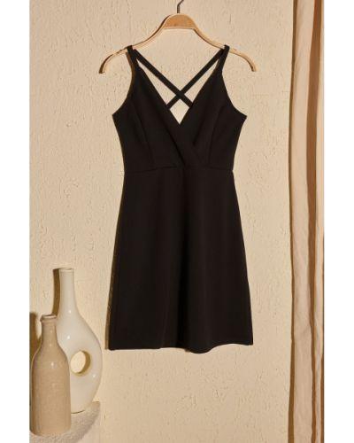 Czarna sukienka mini Trendyol