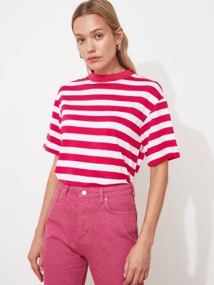 Różowy T-shirt basic w paski z wiskozy Trendyol
