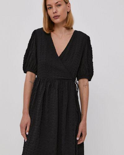 Czarna sukienka mini rozkloszowana casual Jacqueline De Yong