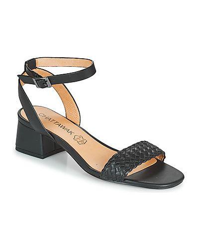 Czarne sandały Chattawak