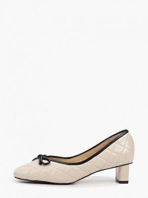 Кожаные белые туфли закрытые Tuffoni