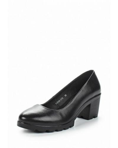 Кожаные туфли на каблуке черный Baden