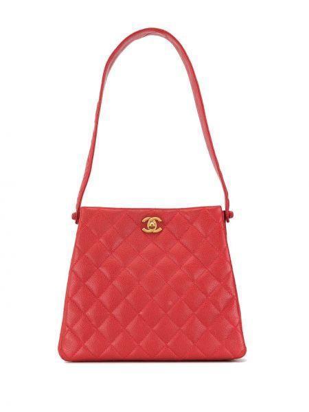 Красная стеганая кожаная сумка на молнии с декоративной отделкой Chanel Pre-owned