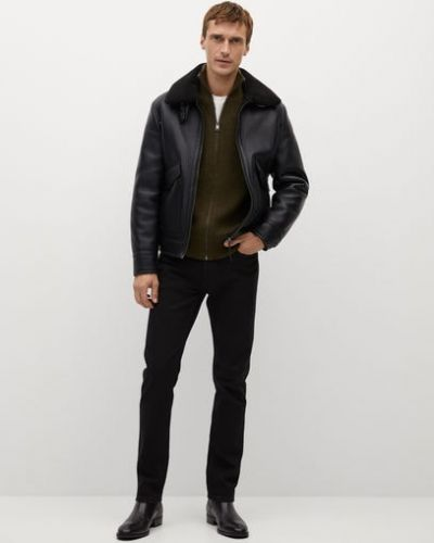 Кожаная куртка короткая - черная Mango