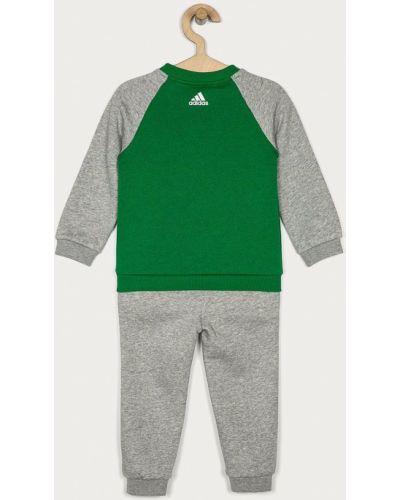 Костюмный спортивный костюм Adidas