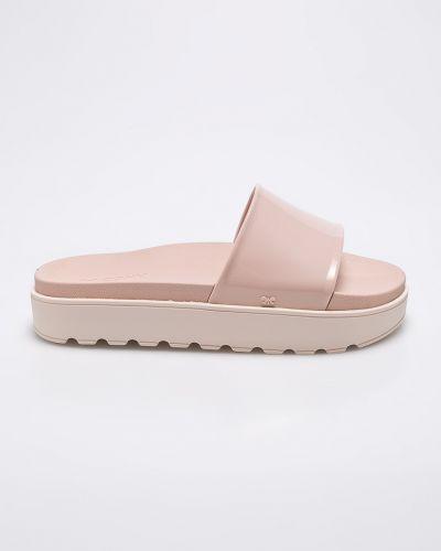 Сандалии на танкетке розовый на каблуке Zaxy