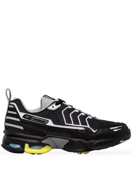 Модные массивные черные кроссовки Reebok