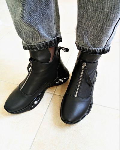 Кожаные ботинки - черные Molly Bessa