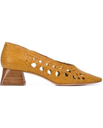 Туфли-лодочки с квадратным носком на каблуке Miista