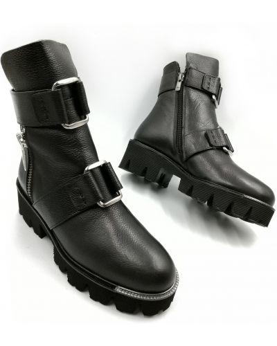 Кожаные ботинки - черные Ilvi