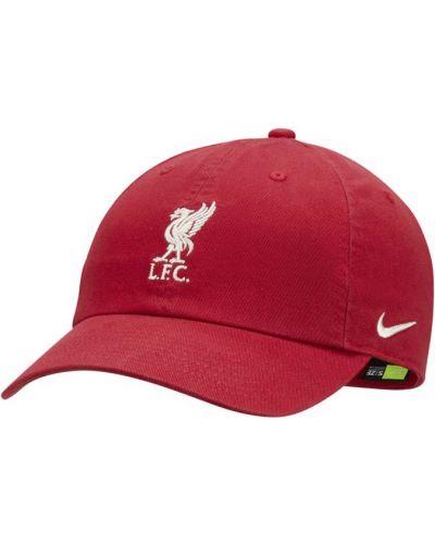 Klasyczna czerwona czapka Nike