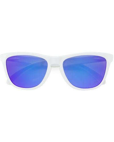 Белые солнцезащитные очки Oakley