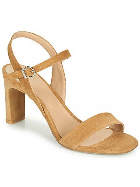 Brązowe sandały Perlato