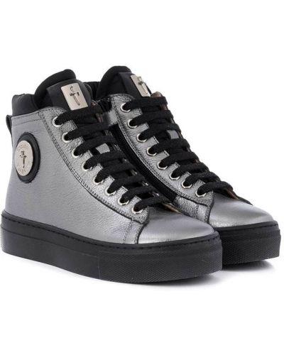 Серебряные кожаные кроссовки на шнуровке Cesare Paciotti Kids