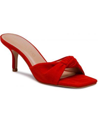 Czerwone sandały zamszowe Eva Longoria