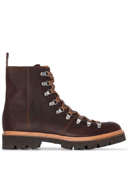 Кожаные коричневые треккинговые ботинки на шнуровке на каблуке Grenson