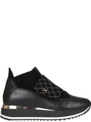 Кроссовки на платформе замшевые черные Kelton
