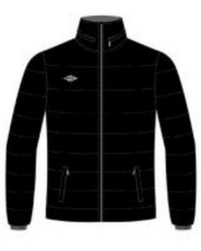 Утепленная куртка с капюшоном спортивная Umbro