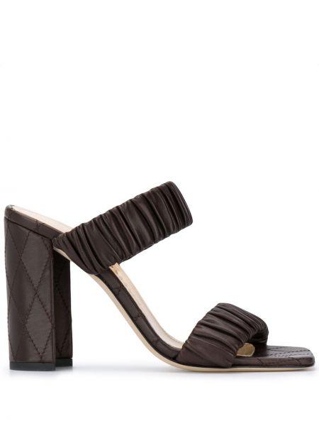Кожаные коричневые открытые босоножки на каблуке Chloe Gosselin