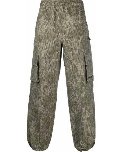 Камуфляжные брюки карго - зеленые Stussy