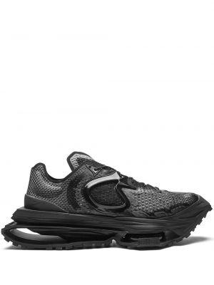 Массивные черные кроссовки на шнуровке Nike