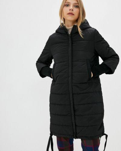Теплая черная утепленная куртка снежная королева