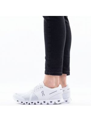 Кроссовки для бега белый On Running