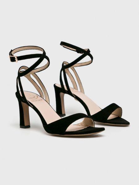 Туфли на каблуке Baldowski
