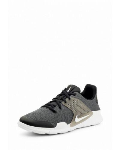 Серые кроссовки низкие Nike