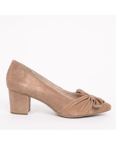 Бежевые туфли Tamaris