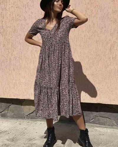 Коричневое платье миди с оборками Clew