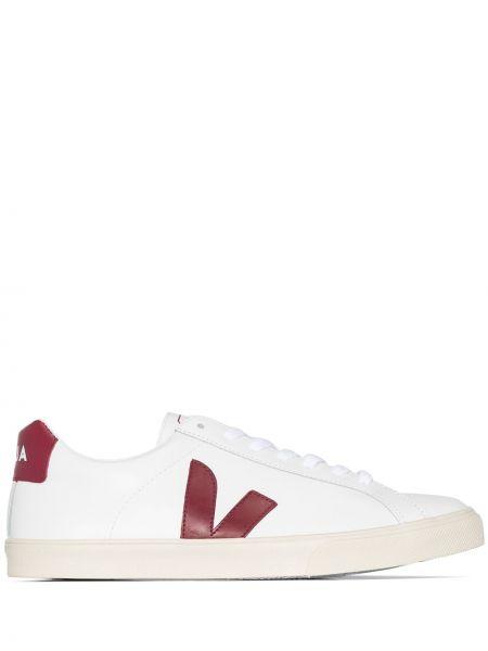 Кожаные кроссовки Veja