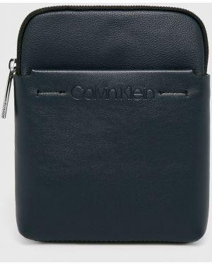 Мерцающая сумка через плечо из искусственной кожи Calvin Klein
