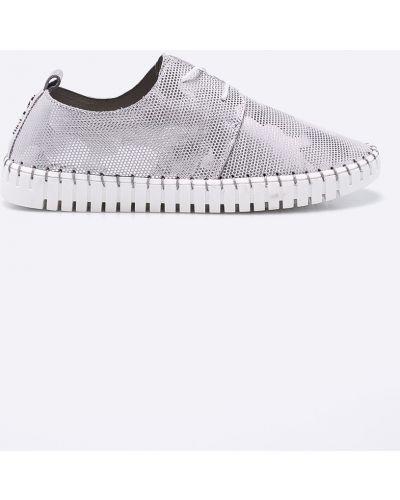 Кожаные ботинки на шнуровке серый Carinii