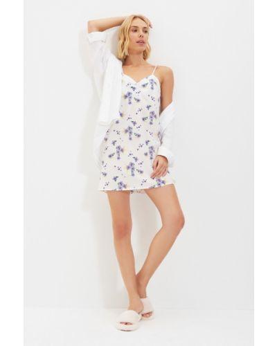 Satynowa koszula nocna - biała Trendyol
