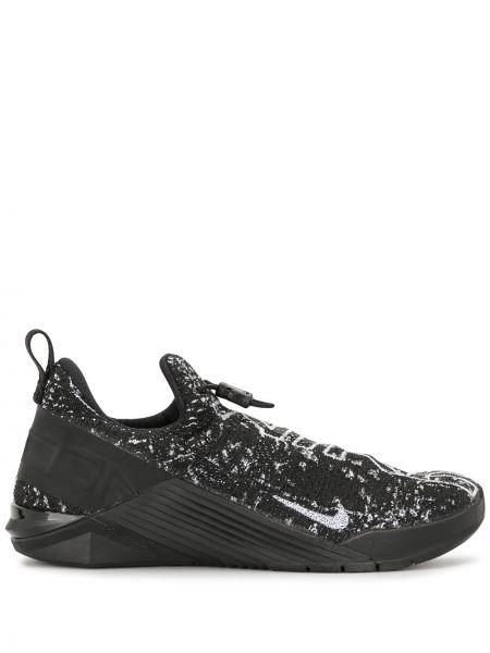 Trykotowy czarny sneakersy okrągły nos okrągły Nike