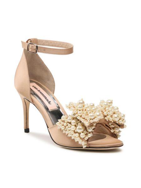Beżowe sandały Custommade