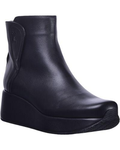Шерстяные черные ботинки на каблуке Kelton