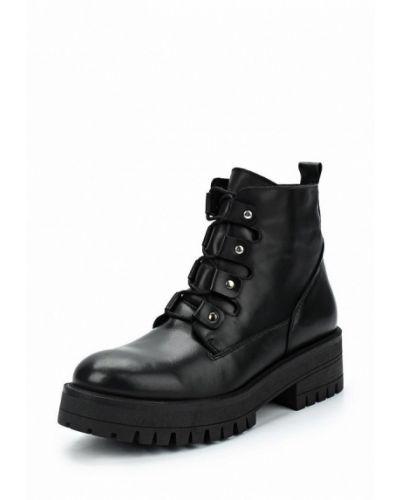 Кожаные ботинки осенние на каблуке Zign