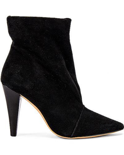 Czarne ankle boots zamszowe miejskie Iro