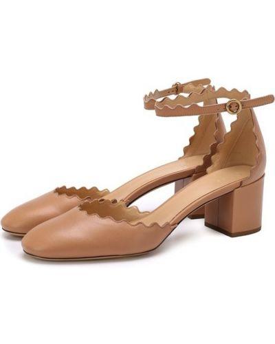 Бежевые кожаные туфли с ремешком Chloé