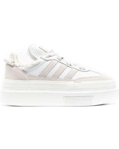 Biała ażurowa parkа skórzana Adidas
