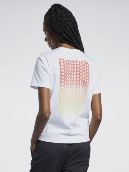 Свободная белая футболка с вырезом Reebok