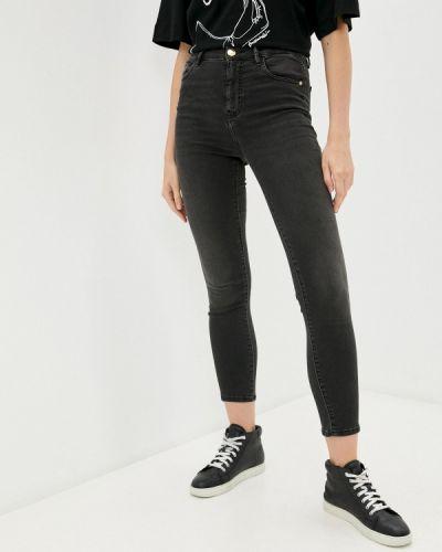 Серые джинсы осенние Trussardi