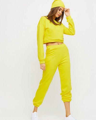 Костюмный желтый спортивный костюм Karree