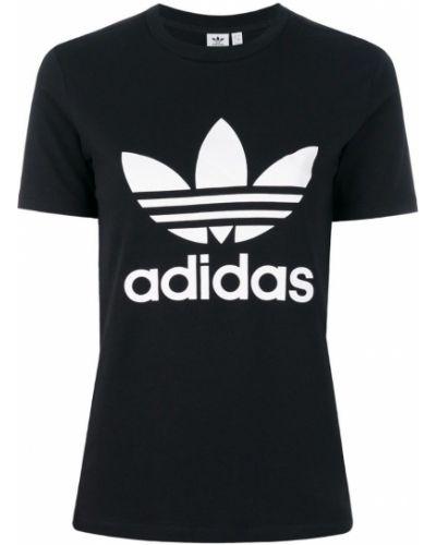 Свободная футболка с логотипом Adidas