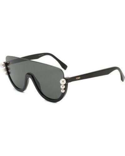 Солнцезащитные очки черные Fendi